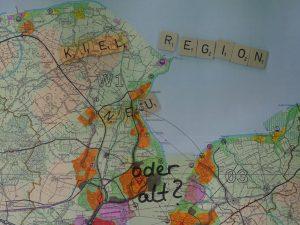 Karte mit Scrabble-Kiel_alt oder neu